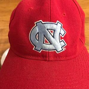 Red unc North Carolina hat Tar Heels AA130